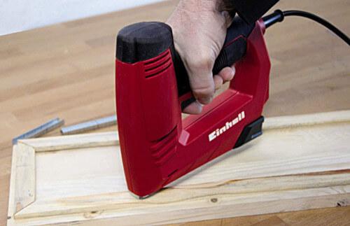 Grapadora para bricolaje eléctrica Einhell TC-EN 20 E